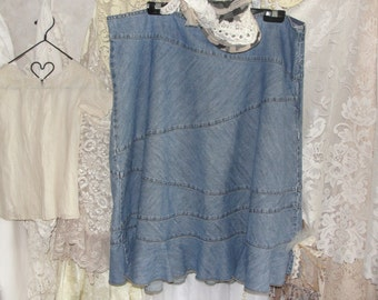 Plus size jean skirt with flower and lace