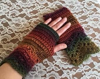 Everyday Chevron Fingerless Gloves in Polo