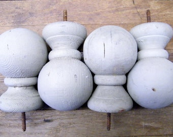 Set of 4 Old Rustic Wood Cannonball Bed Newel Fence Post Topper Finials