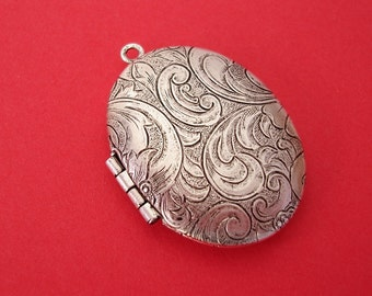 Tapestry Oval Photo Locket Ox Silver Brass Raised Engraved  Pendant.