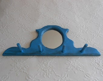 Rustic Farmhouse Mirror Peg Rack - Grungy Country Hat Rack - Porthole Oval Mirror - Distressed in Turquoise