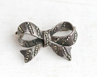 Dark Silver Bow Lapel Pin - Sterling Silver Brooch with Marcasite - Art deco Jewelry