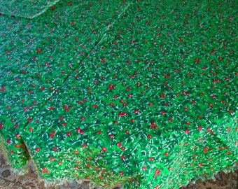 Pines And Berries Tablecloth / Green Pine Boughs / Woodland / Fringed Edge / Christmas Fabric Tablecloth / Vintage Tablecloth / Evergreens