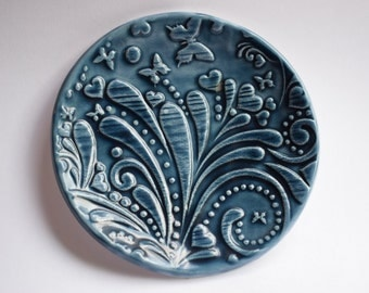 Relief Pattern Dish
