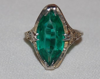 18K White Gold Art Deco Ring Green Stone Filigree Sz 6 Vintage Estate 20s 30s