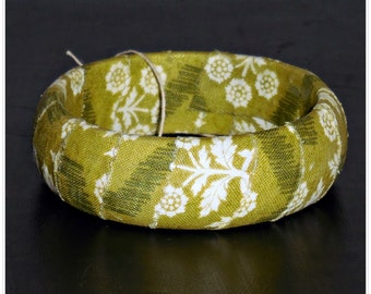 67mm Olive Green snd Cream Floral Fabric Wood Dome Bangle Bracelet Wooden