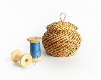 Handwoven wicker basket Woven tiny storage basket Trinket box Sugar pot Rustic table decor Easter gift ideas Easter table decor