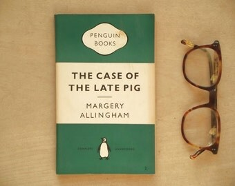 vintage crime fiction green penguin book The Case of the Late Pig by Margery Allingham