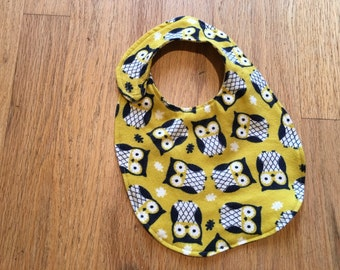 Mom's Favorite Flannel Bib - Yellow Owl Print