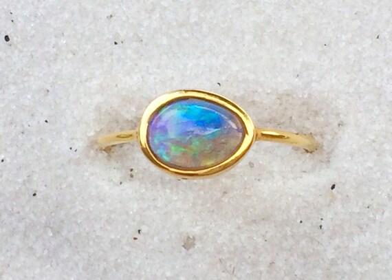 Opal and solod 18k gold ring lightning ridge australian opal
