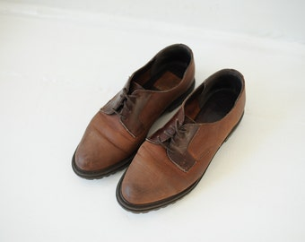 Vintage White Mountain Two Tone Brown Leather Oxford Shoes, Made in USA, Womens 7 / ITEM121