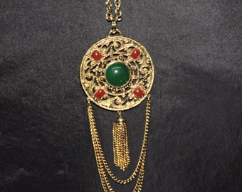 Vintage 70s Medallion Pendant Necklace Gold Tone Metal Green Red Glass Beads Chain Hippie Boho Costume Jewelry