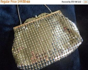 Christmas In July Sale Vintage Gold Metal Mesh 1950's Formal Collectible Clutch Purse Handbag Hollywood Regency Bag Mad Men Black Friday Cyb