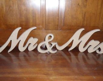 Wooden Mr & Mrs - Mr and Mrs sign - DIY Mr and Mrs sign - Table sitter - Wedding Sign