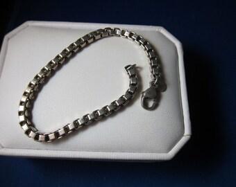 Tiffany & Co Sterling Silver Venetian link box Bracelet