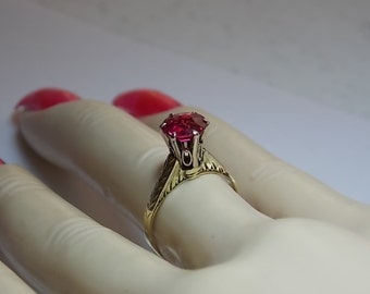 Vintage Ruby Ring 1.60 Carat Syn Ruby Yellow Gold 14K 2.6gm Size 5.25 High Crown Mounting