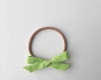 Key Lime Pie Green Classic Mini Bow Headband or Clip, Newborn Headband, Baby Headband, Baby Bow