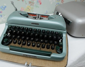 Imperial Good Companion 4 Typewriter
