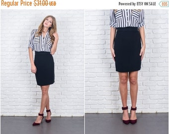 ON SALE Vintage 80s Black Retro Skirt Pencil Straight High Waist Small S 5911