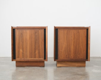 Pair of Mid Century Dillingham Nightstands / Side Tables