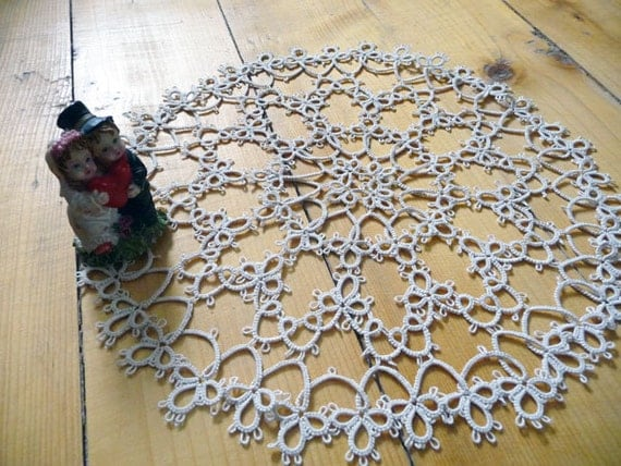Handcrafted Ivory Tatting Doily - Home decor - Housewarming - tatting shuttle - wedding decor