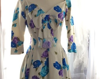 DARLING 50s FLORAL Suzy Perette designer dress in blue and purple roses!
