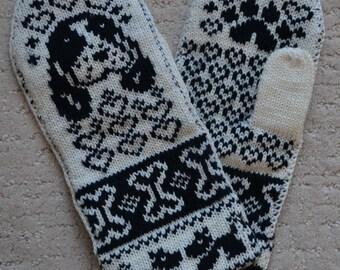NORWEGIAN Hand Crafted 100% wool  mittens  , M / L, folk art, Spaniel dog puppy