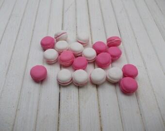 30 macarons