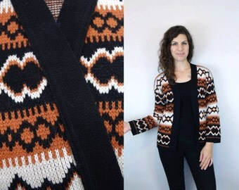 1970s Vintage Black White & Orange Patterned Sweater Cardigan Jacket / 70s Long Sleeve Abstract Geometric Print Patterned Jumper / Small S
