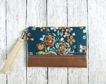 Blue floral wristlet | Floral zipper pouch | Small floral clutch | Flower makeup bag | Zipper bag | Blue floral bag