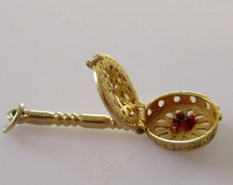 Nuvo Gold Bed Pan Enamel Charm Opens