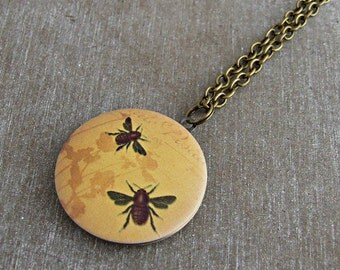 Bee Locket .. honey bee locket, bumble bee, brass locket, bee jewellery, insect