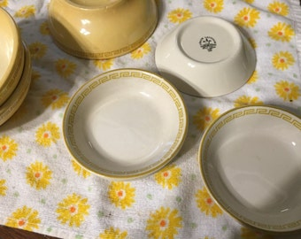 Set of 8 bowls, different sizes, Homer Laughlin