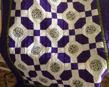 Lap Quilt, Sofa Quilt, Dorm Quilt, Quilted Throw, Embroidered Block Quilt, Floral Quilt, OOAK Handmade Embroidered Flower Quilt, Purple