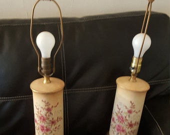 Pair of vintage table lamps with flowers