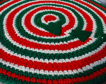 Christmas Rug, Red White and Green Rug, Holiday Rug,  handmade circle rug