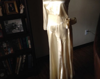 Stunning Art Deco Silk Satin Wedding Gown
