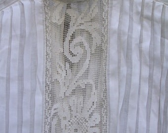 Vintage Edwardian Blouse Titanic Era with lace panels and pleats ala 1900s