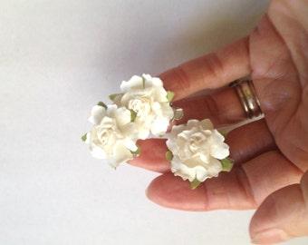 White Rose Hair Clips, Wedding Hair Clips, Tiny Hair Clips, Bridal Hair Clips, Roses Hair Clips, Set of Three, Bridesmaids, Flowergirls Hair
