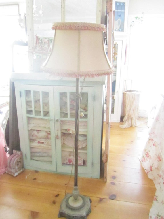 Floor lamp victorian free shipping vintage pink shade shabby for Vintage pink floor lamp