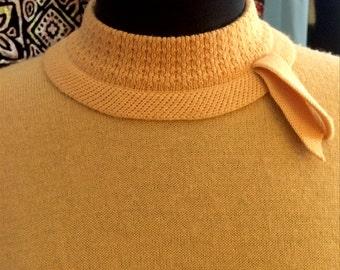 Vintage Jantzen Sweater 36 Bust Great Goldenrod Hue