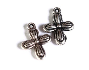 8 Silver cross charm - Silver cross pendant- CCB Plastic cross Charm - 18mm x 13mm - 8 pieces (1694) - Flat rate shipping