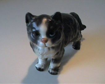 Vintage 1960's ceramic black & white Persian kitty cat