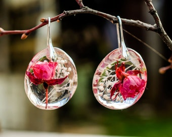 Pink Rose Resin Earrings. Natural Style Earrings. Real Flowers Earrings. Organic circle earrings. Nature art crystals