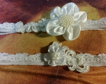 OffWhite Wedding Garter Set - Brides Off-white flower with pearls garter set, stretch lace band, wedding in ivory, keep one, toss one
