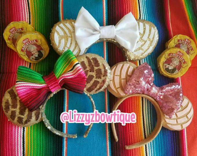 Pan Dulce Concha Minnie ears