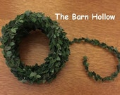 Mini Boxwood Garland
