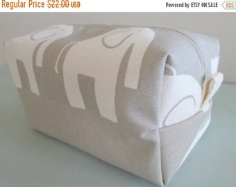 CHRISTMAS In JULY SALE Elephant Make up Bag  -  Vinyl Cosmetic Pouch -  Lunch Bag - Wet Bag -Waterproof Bag