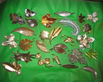 Destash Craft Lot of 25 Vintage Gold and Silver Tone Leaf Brooch Pins