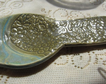 Ceramic Spoon Rest in Green and Turquoise with Lace
